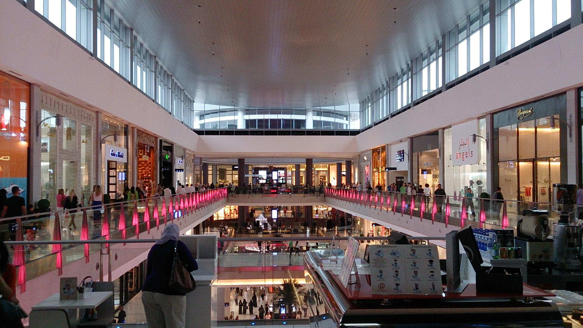世界最大のショッピングモール「ドバイ・モール」~バルセロナ・ドバイ旅行記15~