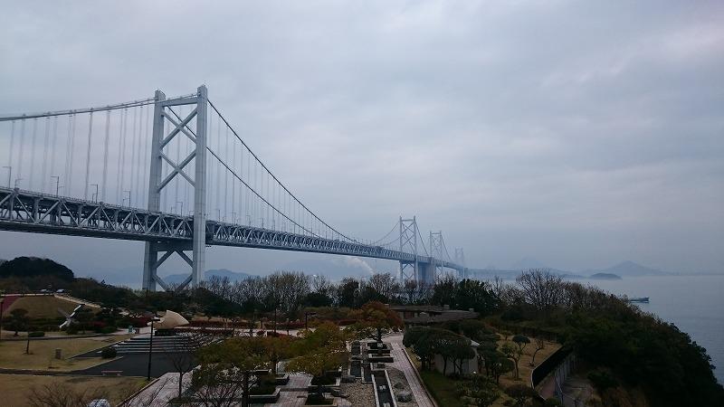 瀬戸内海に浮かぶアートの島「直島」に行く途中に通った瀬戸大橋が最高にロックだった件