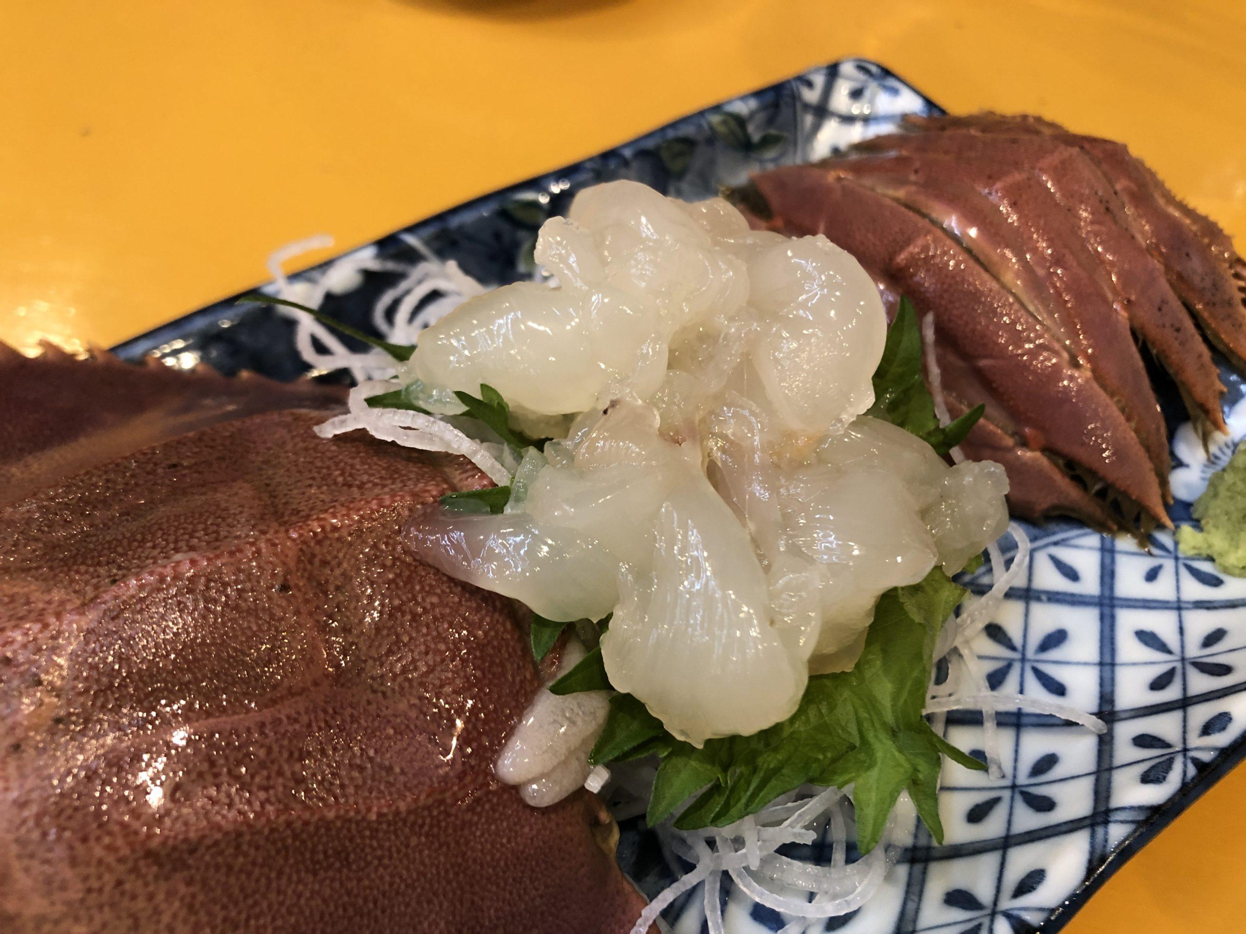 名物 串おこげや新鮮なうちわ海老、そして巨大な紅ズワイガニ汁を楽しめる、京都 二条駅近く「海鮮屋台 あみたつ」が最高