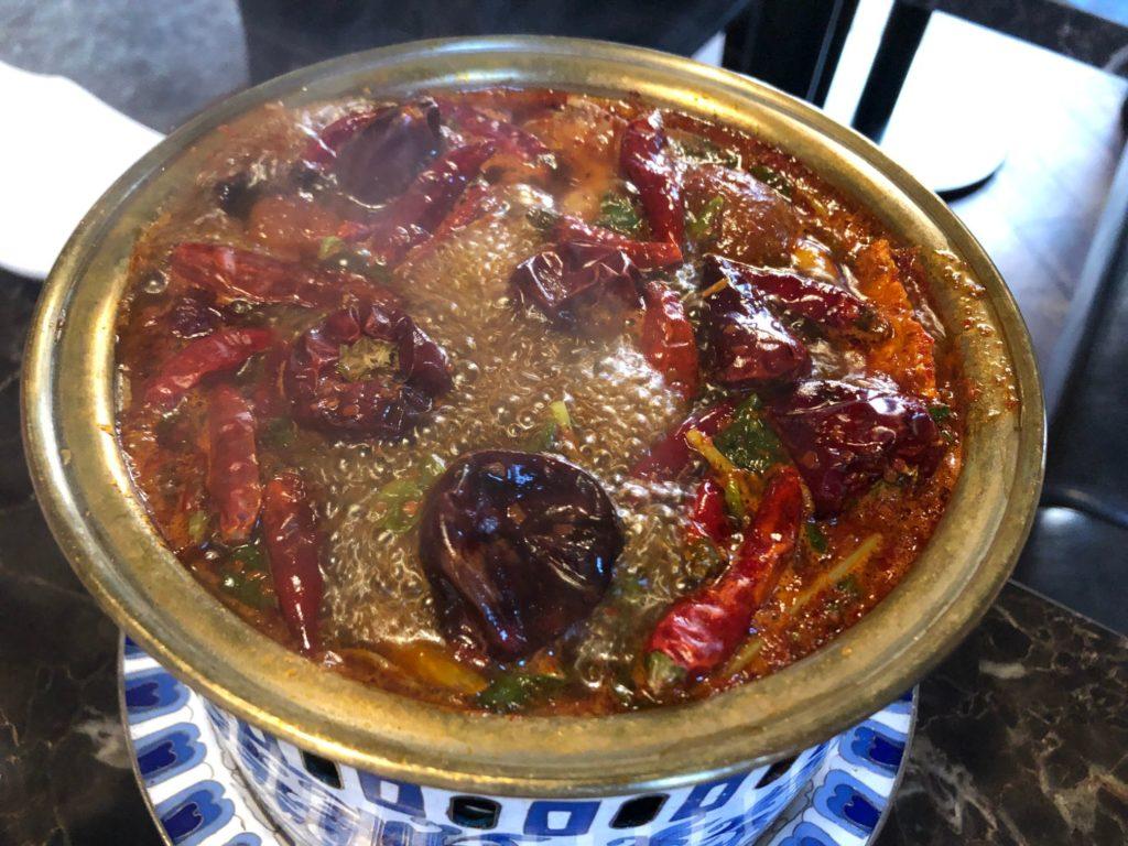 灼熱の薬膳麻辣ブラックスープきのこしゃぶしゃぶ鍋を、Shangri-La❜s secret 銀座店で食べてきたというお話