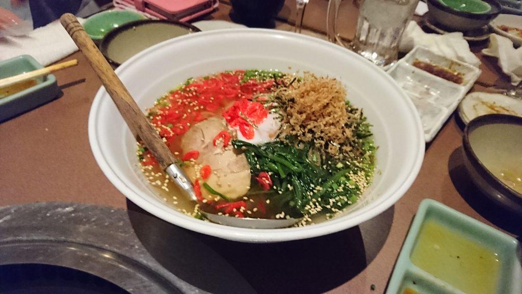 冷麺の概念が変わる!焼肉えびす本陣のダブルスープ冷麺・梅かつお冷麺がヤバい